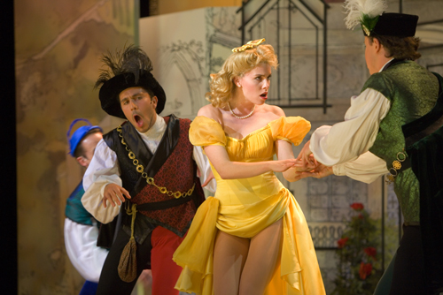 a review of the stage production of kiss me kate Theatre review: 'kiss me, kate' at shakespeare theatre company  then  shakespeare theatre company's newest production, kiss me, kate,.